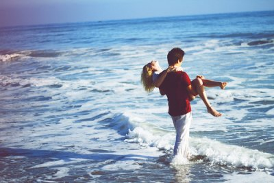 'Je serais toujours là pour toi.' C'est bien beau, mais c'est faux.