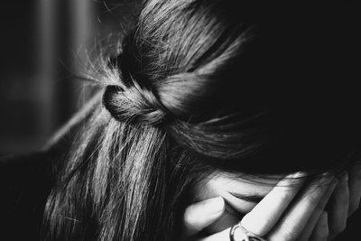 'Ma vie est quelque fois un désastre, mais personne ne remarque rien. Car je suis très polie: je souris tout le temps.'