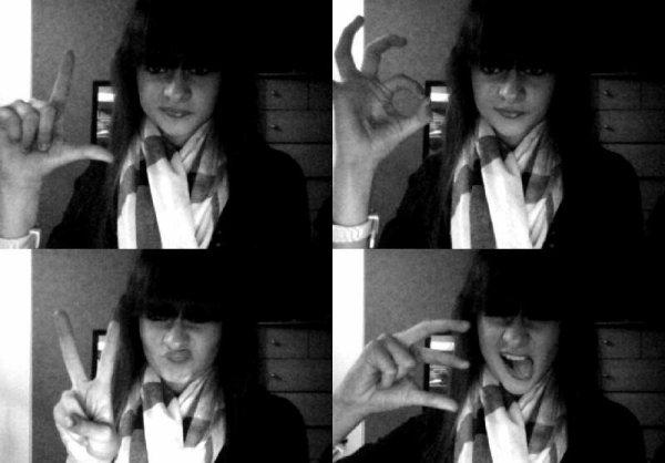 Lovee ♥ ( Les Têtes Chelou C'est Normal Donc Rage Pas ;) )