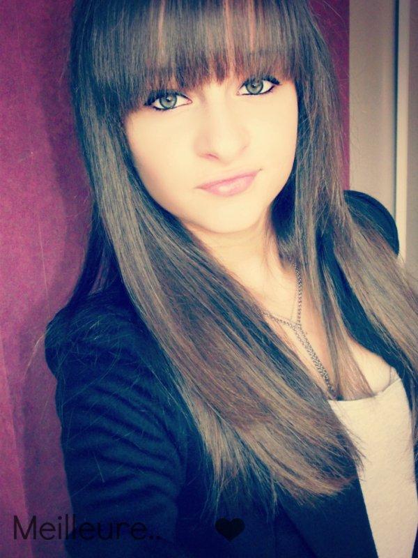 Juliie l'italienne Qui t'emmerde ;) ♥