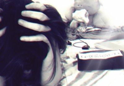 J'crois que même dans ma chambre c'est moins le bordel que dans ma tête
