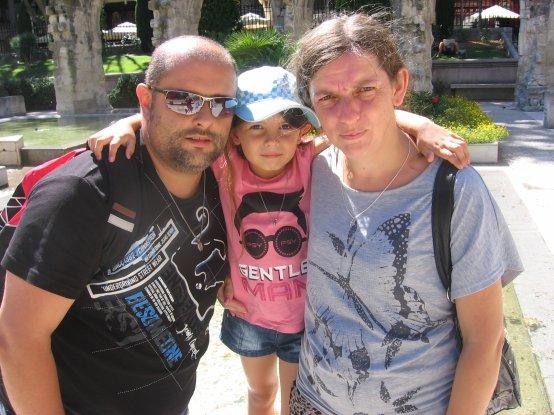 mon fils et ma belle fille et ma petite fille