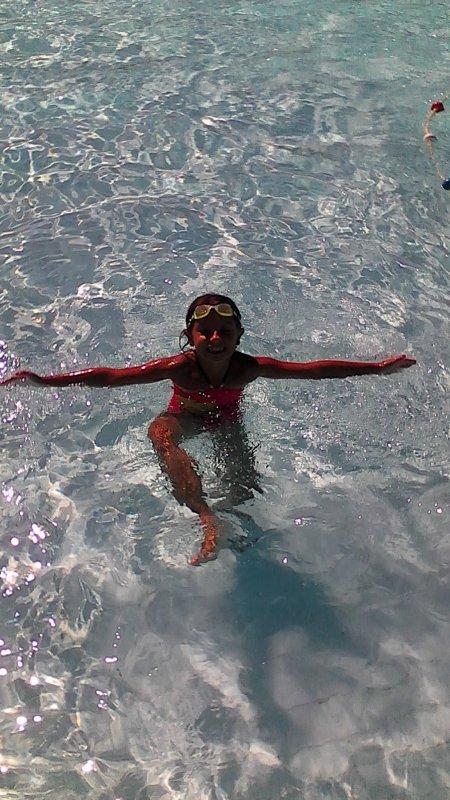 ma fille a la piscine
