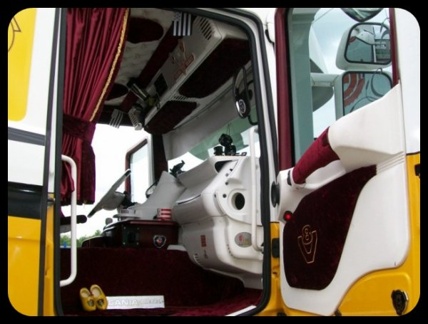 Bouvier :3 Scania