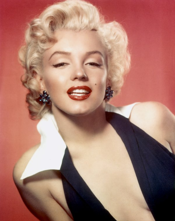 Marilyn Monroe- Are You Lonesome Tonight