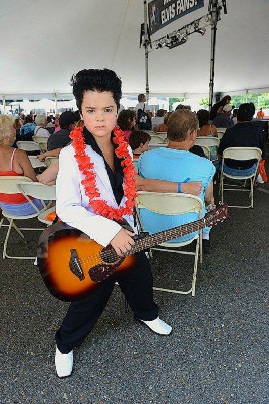 Collingwood Elvis Festival 2014 Jr Youth Winner – Hanke Poole ROCK N ROLL  FAIT NAITRE DES PROCHAINS JOHNNY  ET ELVIS  CAR LE ROCK N ROLL NE S ARRETERA JAMAIS TONY COOL