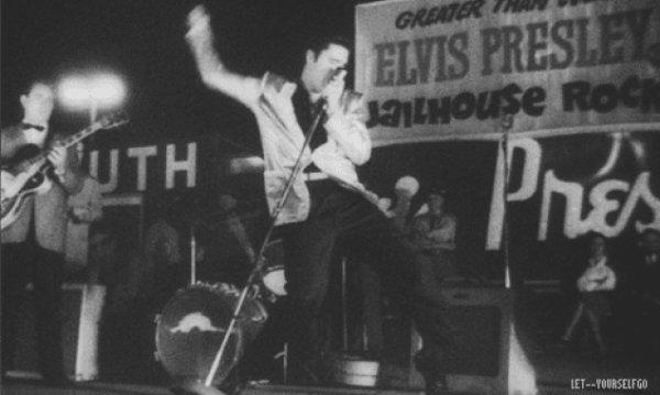 Elvis Tupelo 57 Hound Dog