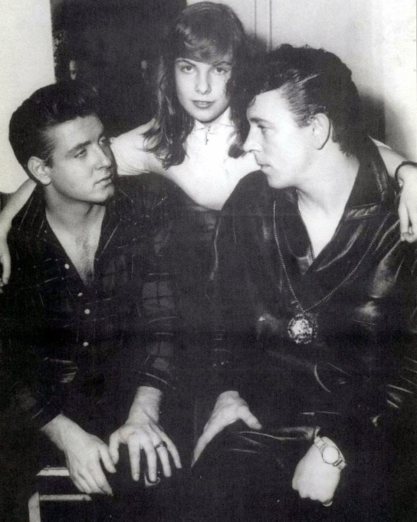 GENE VINCENT- UNCHAINED MELODY 1956