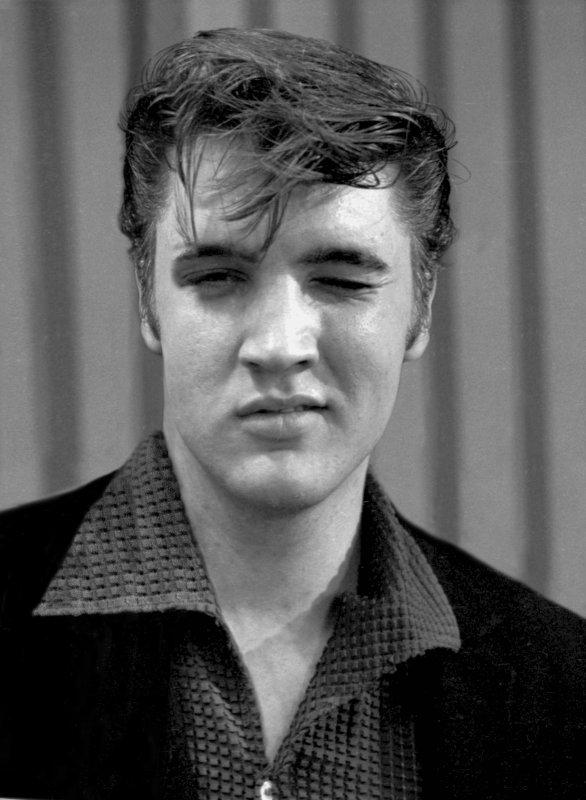 Elvis Presley Kisses  MON PECHE MIGNON SE SONT LES BISOUS  C EST COMME DES BONBONS  DES FRIANDISES   BISOUS BISOUS TONY