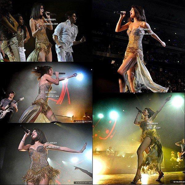 28 octobre : Sel' su scene et prenant du bon temps apres son concert avec c'est fans à Ottawa au Canada.