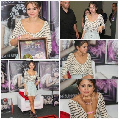 Le 4 Février elle donnait un concert à Rio de Janeiro, elle à aussi donné une conférence de presse ou on lui a remit un disque d'or, elle à aussi été vue à son hotel en train de bronzé.