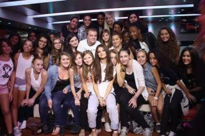 photo de selena lors de son passage sur NRJ