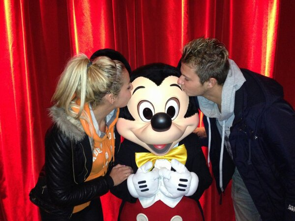 04/02/13 Hillary et Vincent a Disneyland