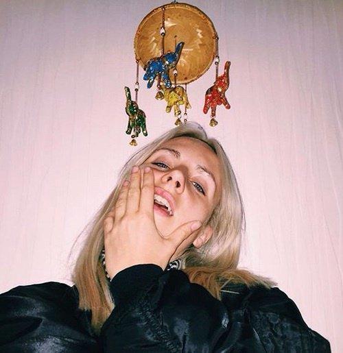 t es tros belle en blonde MØ