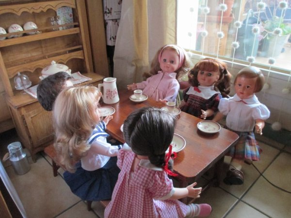A TABLE LES ENFANTS !