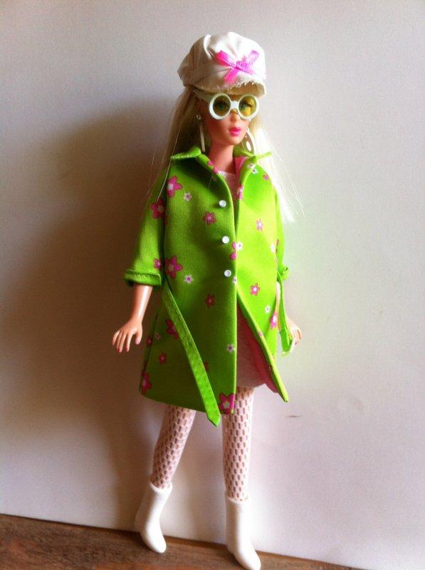 """Barbie Twist'n turn """"Far Out Barbie"""""""
