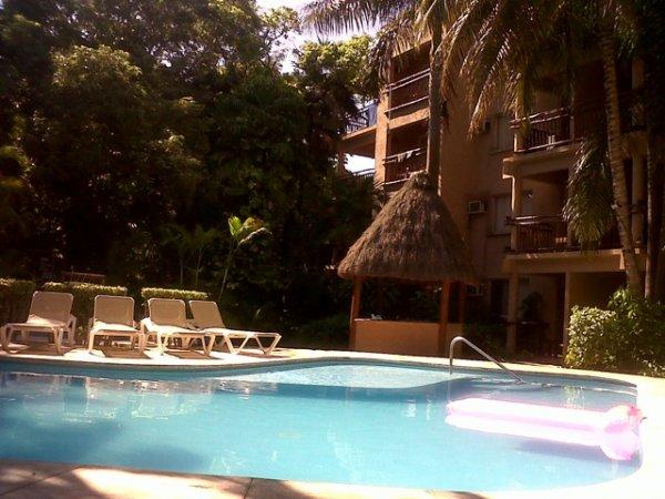 piscine de l hôtel =)