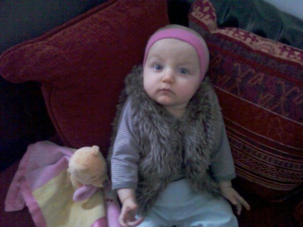 ma petite fille keylia  trop mignonne...