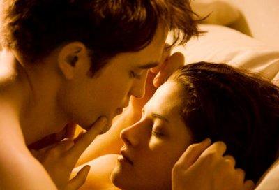 Robert Pattinson : il se remet à la chanson pour Twilight 4