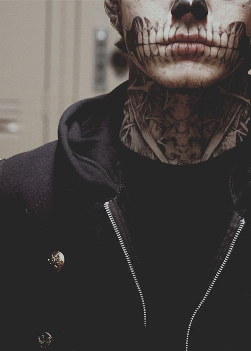 Tate *-*