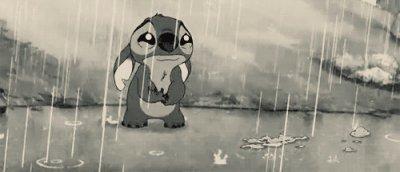 Le plus gros chagrin d'amour est celui de savoir que la personne qui peut vous consoler est celle qui vous fait pleurer