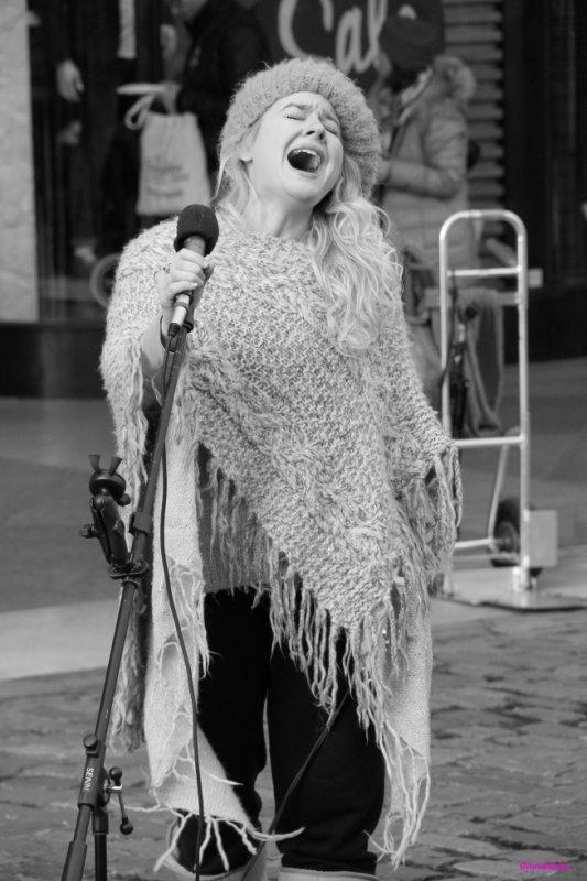 Ma  street chanteuse favorite