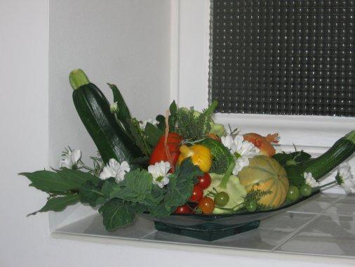Fruits et l gumes du potager art floral bleuette010 - Composition florale avec fruits legumes ...