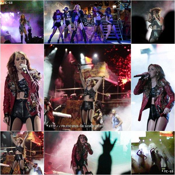 Le 29 Avril, Miley a donné le premier concert de son Gypsy Heart Tour à l'Estadio Olimpico Atahualpa de Quito en Equateur.