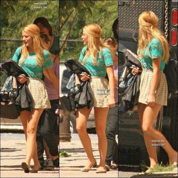 Le 31 Aout 2011 - Blake était sur le tournage de Gossip Girl à New York.