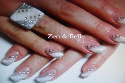 Ongles En Gel Avec Dessins Motifs Diamants Au Sevice De La Beaut