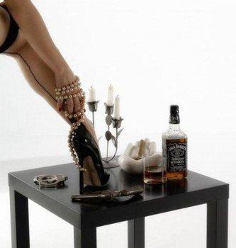 Un p'tit Jack Daniels .....çà vous dit ???? Moi je m'y suis depuis quelques jours ....