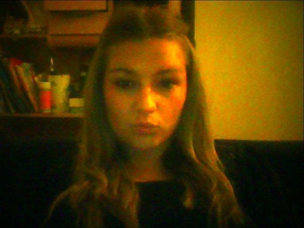 Je suis loin d'être parfaite , mais je suis loin d'être simple comme quelqu'une d'entre eux