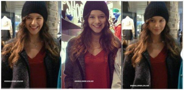 22/02/2013 Eleanor fesait toute seule du shopping à Londres.-  + Une actrice qui ressemble beaucoup a Eleanor ! + Sondage.