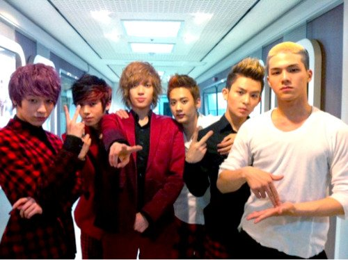 Les Teen top en France