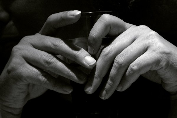 """""""Enfoncer mes ongles dans ton dos brûlant ..."""""""