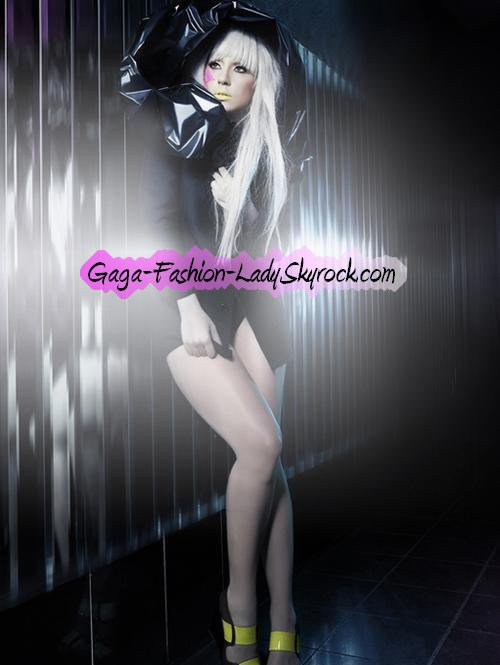 Gaga-Fashion-Lady