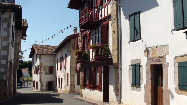 village du pays basque