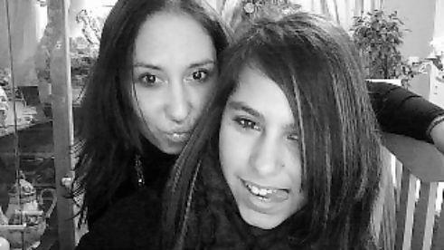 j adore cette photos de ma petite soeur et moi