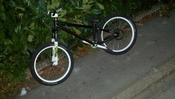 mon vélo dirt en ce moment
