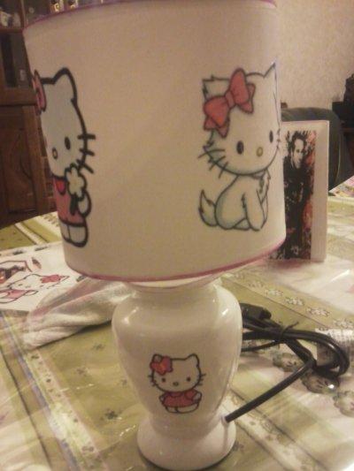 lampe de chevet hello kitty..