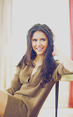 Pack images prologue n°11 | Nina Dobrev