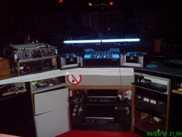 voici ma sono quand je mix 2 platines denon 3500 dns et 1 table de mix denon dns 1500  trés bon matos