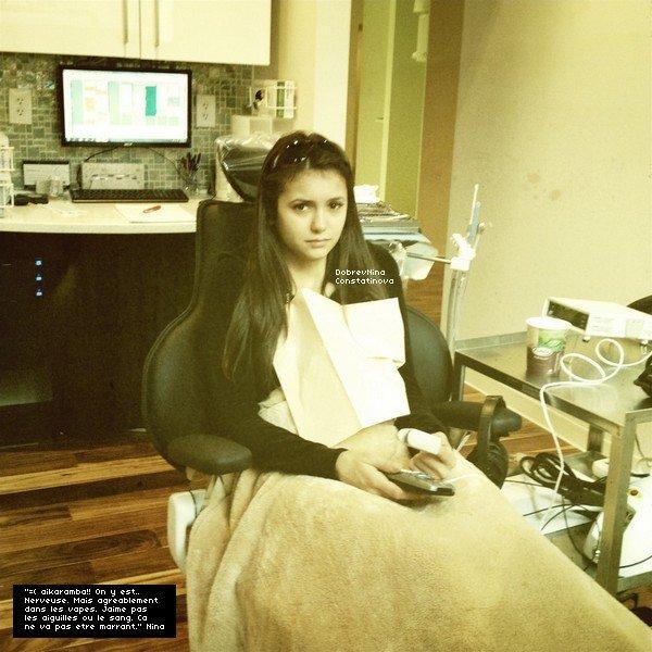 .    23/11/11 : Nina a tweetée une photo d'elle chez le dentiste.   Nina est toute mignonne, elle n'a pas du tout l'air à l'aise. On se demande bien qui a pris la photo... Ce ne serait pas Ian ?