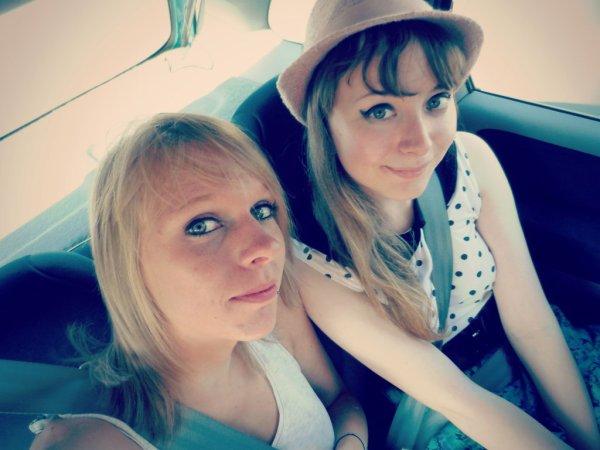 Plus qu'une amie mais une soeur ♥ C'est dans les Moments les plus difficiles qu'on reconnait ses vrais amis ♥