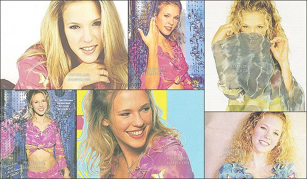 .Photoshoot . _• • Redécouvrez le photoshoot de Près de toi, le 1er album de Lorie ! *