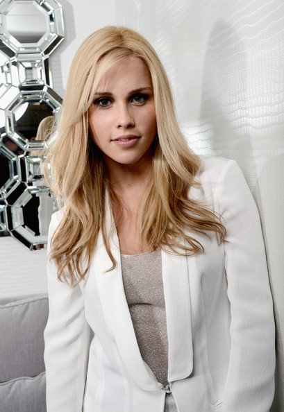 Claire Holt quitte le cast de TO