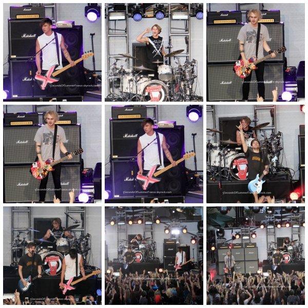 Le 24 octobre 2015 Le groupe sera au 97.1 Radio Hollywood Bowl ce soir !