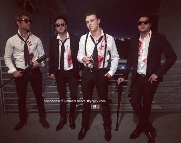 Le 30 octobre 2016 Les 5SOS sont tous à Los Angeles !