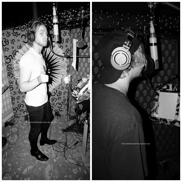 Le 30 juillet 2017 Le groupe travaille en studio !