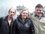 me voici avec mes deux amis(e) en concert pour le televie 2012